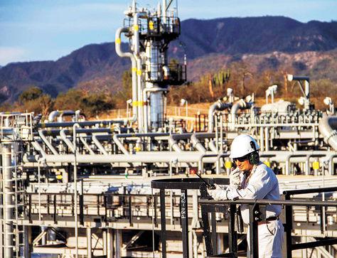 Bolivia firma con Brasil memorándum de entendimiento para exportar gas y urea
