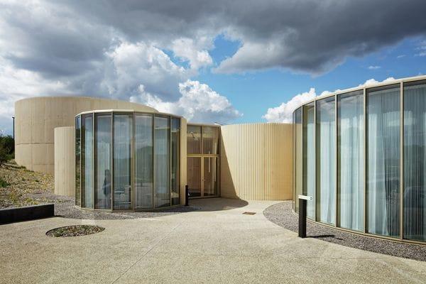 El crematorio de Rennes recurre al círculo como símbolo universal y atemporalpara representar la espiritualidad laica.