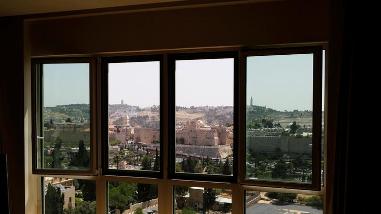 A prueba de bombas y gases tóxicos: Así es el hotel de lujo donde se alojará Trump en Israel