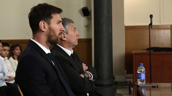 Este miércoles se confirmó la pena a 21 meses de prisión de Lionel Messi (AP)