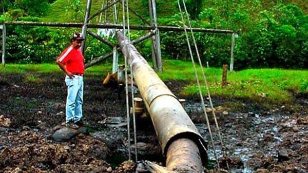 Guerrilleros del Ejército de Liberación Nacional (ELN) atacaron varias veces el oleoducto Caño Limón Coveñas