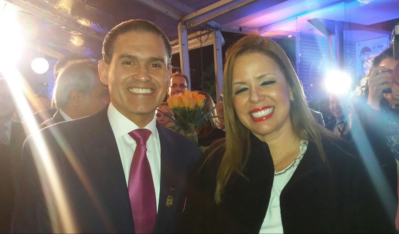 José Luis Camacho - Presidente de Nacional Vida y Arq. Angelica Sosa - Presidenta del Concejo Municipal