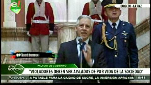 García defiende la cadena perpetua para violadores de niños y plantea referéndum para después de las Judiciales
