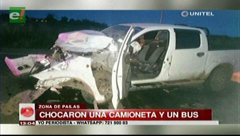 Carretera a Pailas: Choque de una camioneta y un bus deja tres heridos