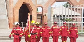 Fundación VIVA entrega línea gratuita 800 14 a bomberos de Montero y el Norte Integrado