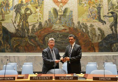 El embajador en la ONU, Sacha Llorenti, recibió la Presidencia del Consejo de Seguridad de manos del embajador de Uruguay, Elbio Rosselli. Foto:Cancillería de Bolivia