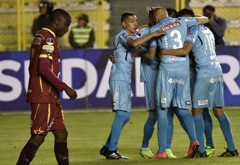 Celebración celeste en el estadio Hernando Siles