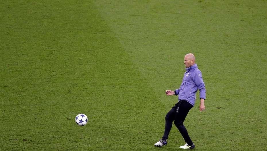 Cristiano Ronaldo se cortó el pelo por una apuesta