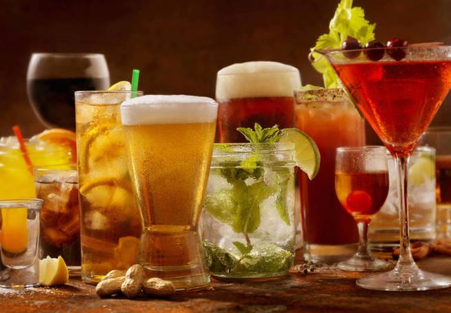 Las bebidas alcohólicas producen el compuesto. (iStock)