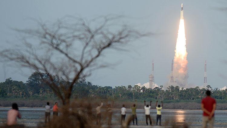 India lanza su cohete más pesado al espacio
