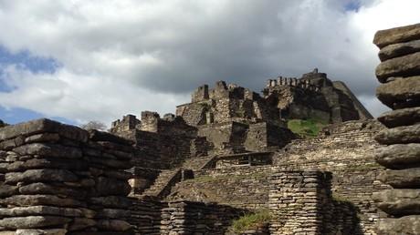 La pirámide de Toniná es una de las más altas de México.