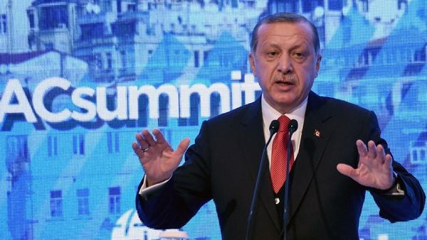 El mandatario turco cree que Arabia Saudita debe liderar la resolución de la crisis (AFP)