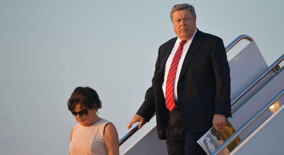 Amalija Knavs y Viktor Knavs, padres de Melania Trump, a su llegada a Washington en el