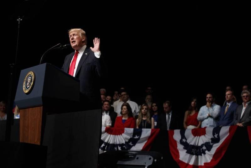 Trump, el viernes en Miami, donde anunció el cambio sobre Cuba.