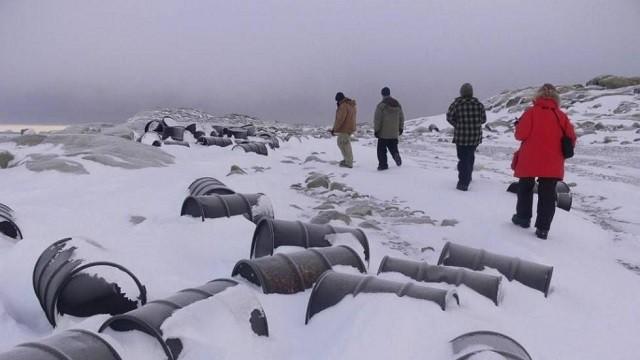 Científicos encuentran inusuales contaminantes en aguas de la Antártica — Cocaína y fármacos
