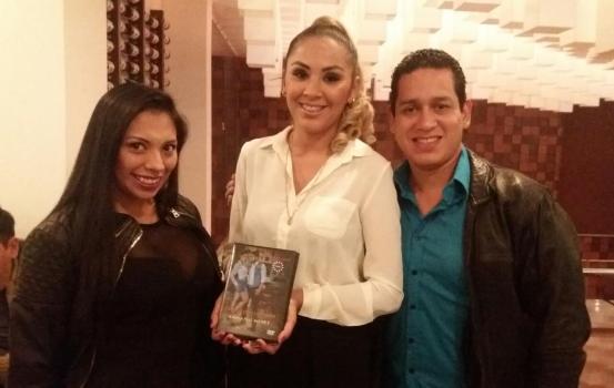 Barinia Vargas, Geovana Flores y Ronald Sorruco