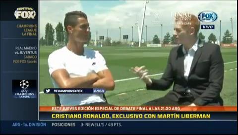Messi y Cristiano se miman