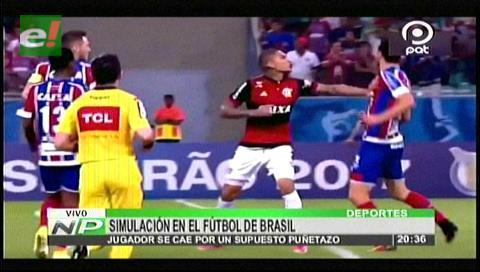 """Patética simulación en el fútbol brasileño: Paolo Guerrero """"noqueó"""" a un rival sin tocarlo"""