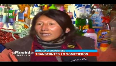 El Alto: Vecinos casi linchan a sujeto que atracó a una mujer con un cuchillo