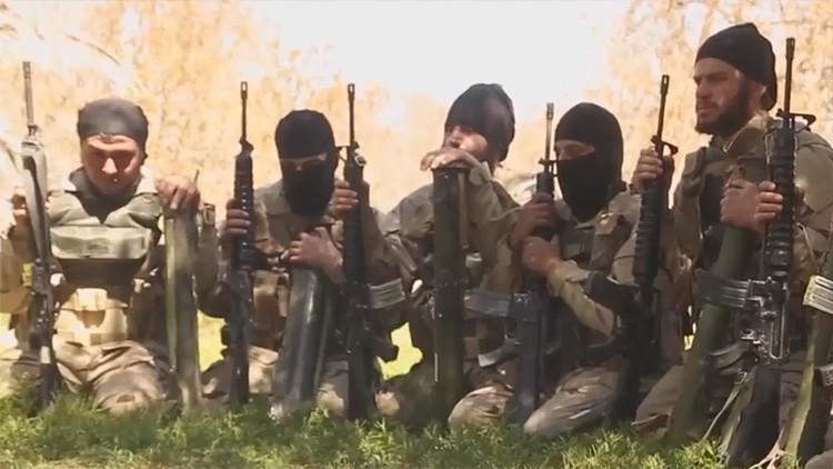 Milicianos del EI en Irak queman al imán que mencionó en un rezo la supuesta muerte de al Baghdadi