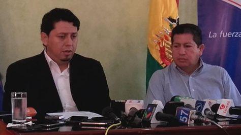 El presidente de YPFB, Óscar Barriga, y el ministro de Hidrocarburos, Luis Alberto Sánchez. Foto:Ministerio de Hidrocarburos
