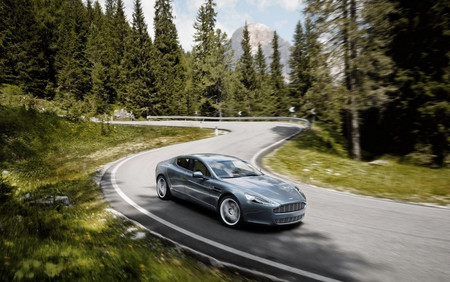 Aston Martin Rapide 01
