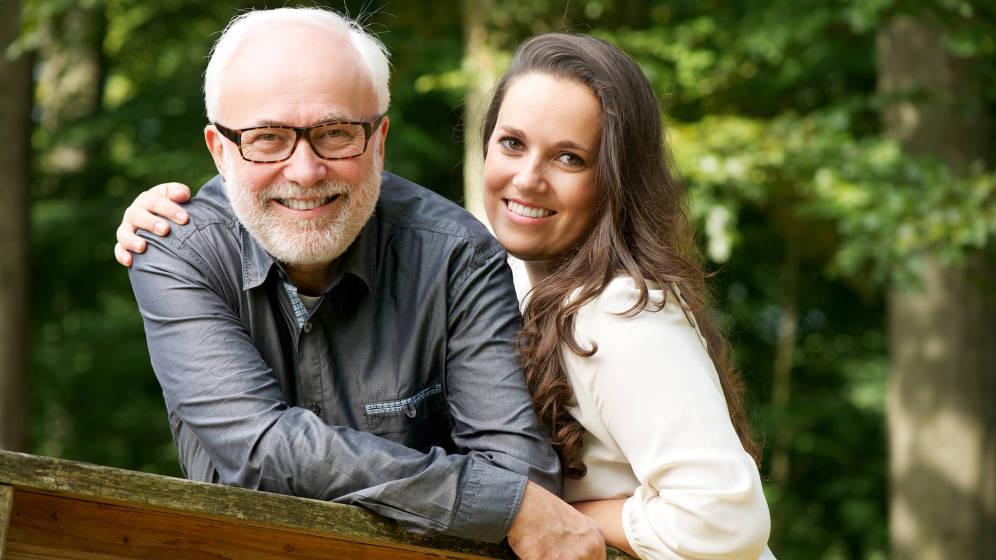 Foto: Hombres mayores y mujeres jóvenes. ¿Es esta la mejor combinación?