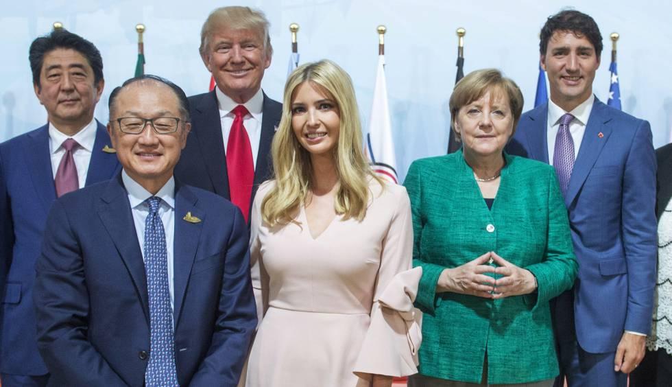 Ivanka Trump posa junto a líderes internacionales este sábado en la cumbre de Hamburgo.