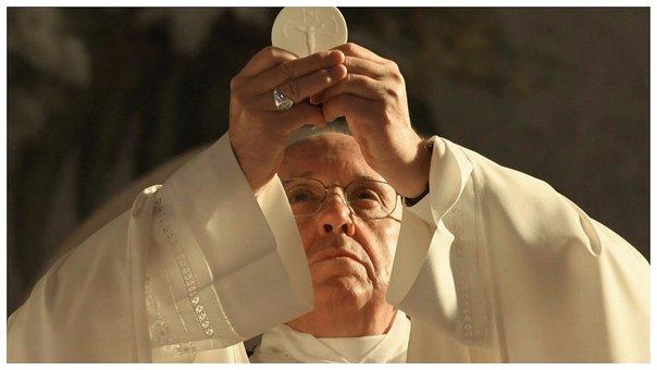 Papa Francisco brinda nueva manera de convertirse en santo