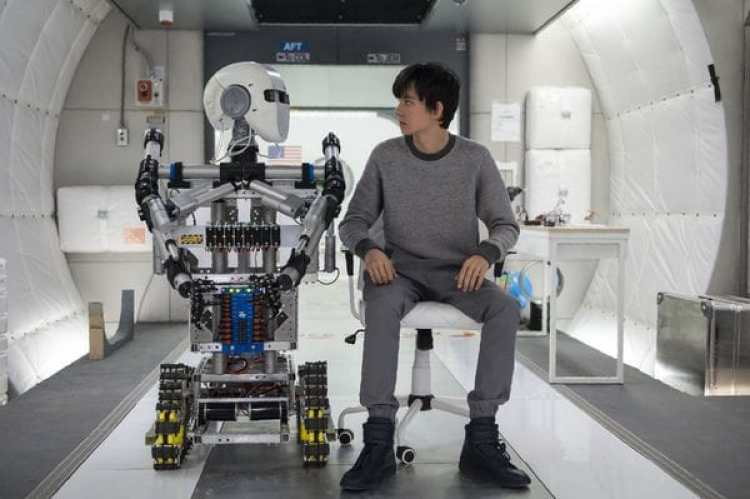 "Luego de ""El juego de Ender"", Asa Butterfield vuelve a actuaren una película con tema espacial."