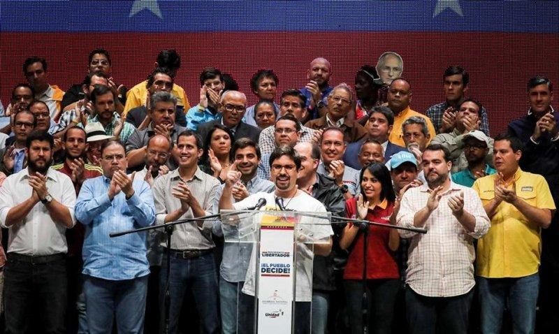 la coalición opositora Mesa de la Unidad Democrática (MUD) firmará el miércoles un compromiso para un futuro gobierno de unión nacional.