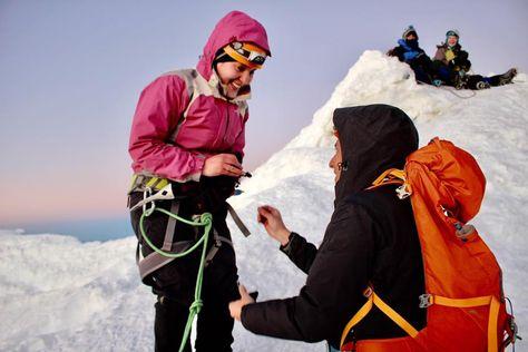 Camilo Rendón Gómez le pidió matrimonio a su pareja Flavia Cruz, en la cima del Huayna Potosí.