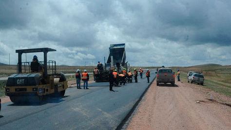 Obras de construcción de la doble vía La Paz-Oruro. Foto archivo