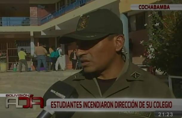 Estudiantes incendiaron dirección de su colegio