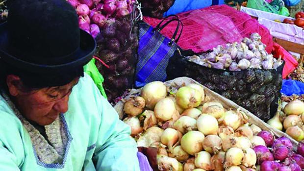 Suben los precios y en mercados se ofrecen verduras importadas