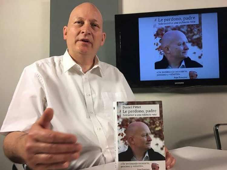 Pittet y su libro