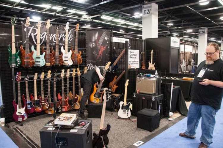 La Asociación Nacional de Comerciantes de Música se celebra cada año en el Centro de Convenciones de Anaheim (California) (Wikimedia)
