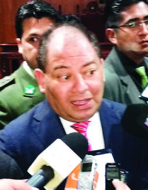 Bolivia entregó a Chile más de 600 vehículos robados