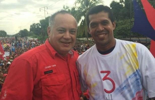 El candidato a la Asamblea Constituyente que se vota este domingo en Venezuela, el abogado José Félix Pineda, junto a Diosdado Cabello.