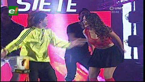 Contra 7. Mira el baile de Anabel y Ronald