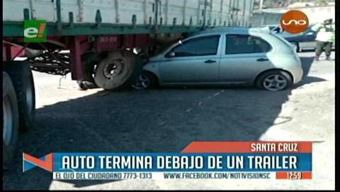 Vehículo terminó debajo de un camión en el km 6 de la doble vía a La Guardia