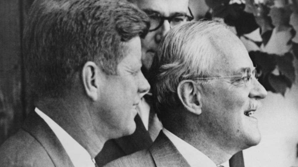 Foto: Kennedy con el director de la CIA, Allen Dules. (Cordon Press)