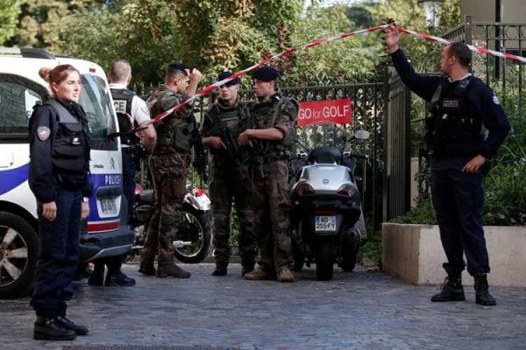 El agresor fue herido de bala por la unidad antiterrorista (REUTERS)