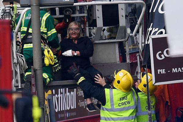 Varios heridos por el accidente de un autobús urbano en Londres
