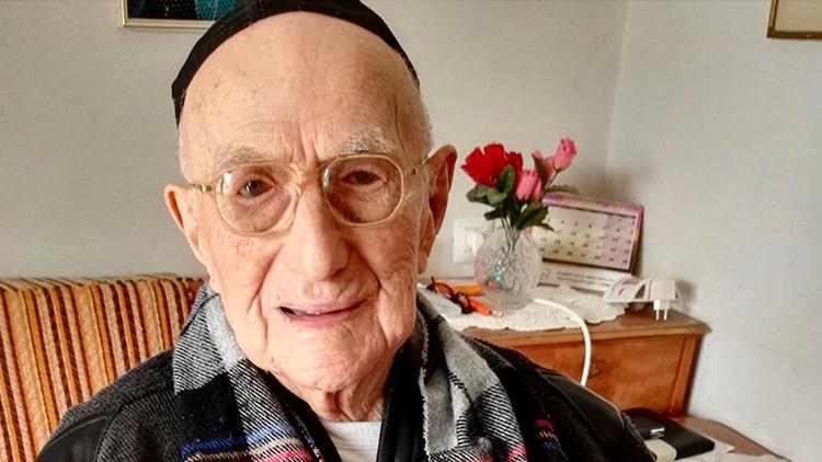 Muere a los 113 años el hombre más viejo del mundo y que sobrevivió al Holocausto
