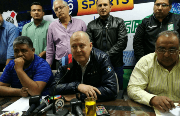 Renuncia presidente de Federación boliviana y señala corrupción — Fútbol