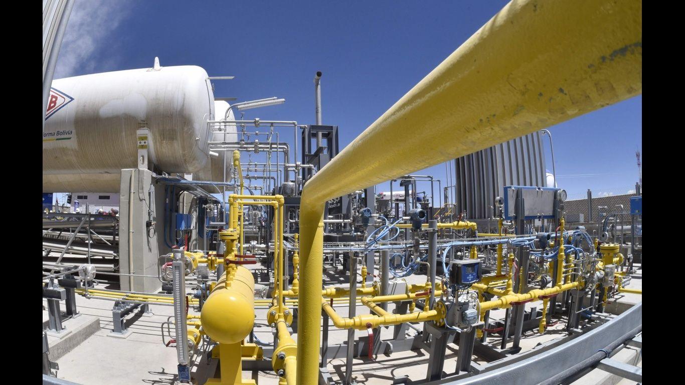 Suben tarifas de gas natural en 50% y las industrias rechazan