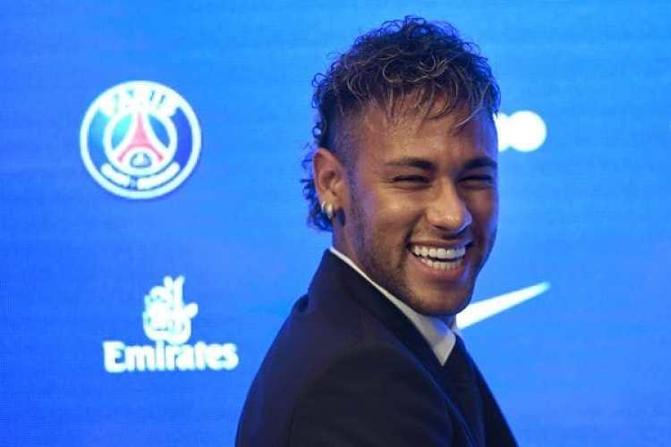 Neymar arribó al PSG a cambio de mas de USD 260 millones (AFP)