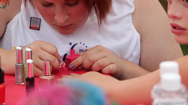Una mujer descubre que padece cáncer tras ir a la manicurista