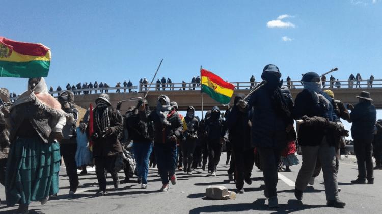 Achacachi: Gobierno descarta intervención policial a bloqueos